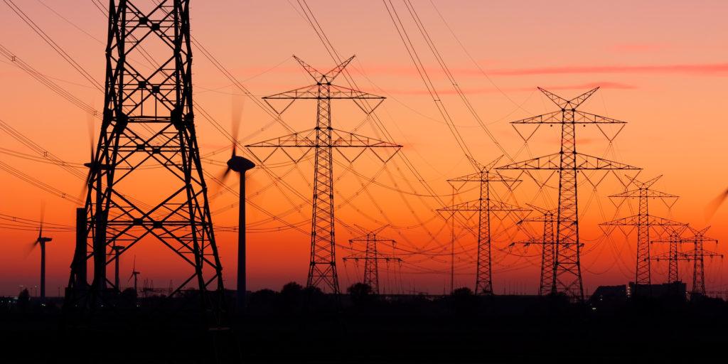 Das deutsche Stromnetz ist einsame Spitze im europaweiten Vergleich, wie der Monitoring-Bericht 2014 zeigt.