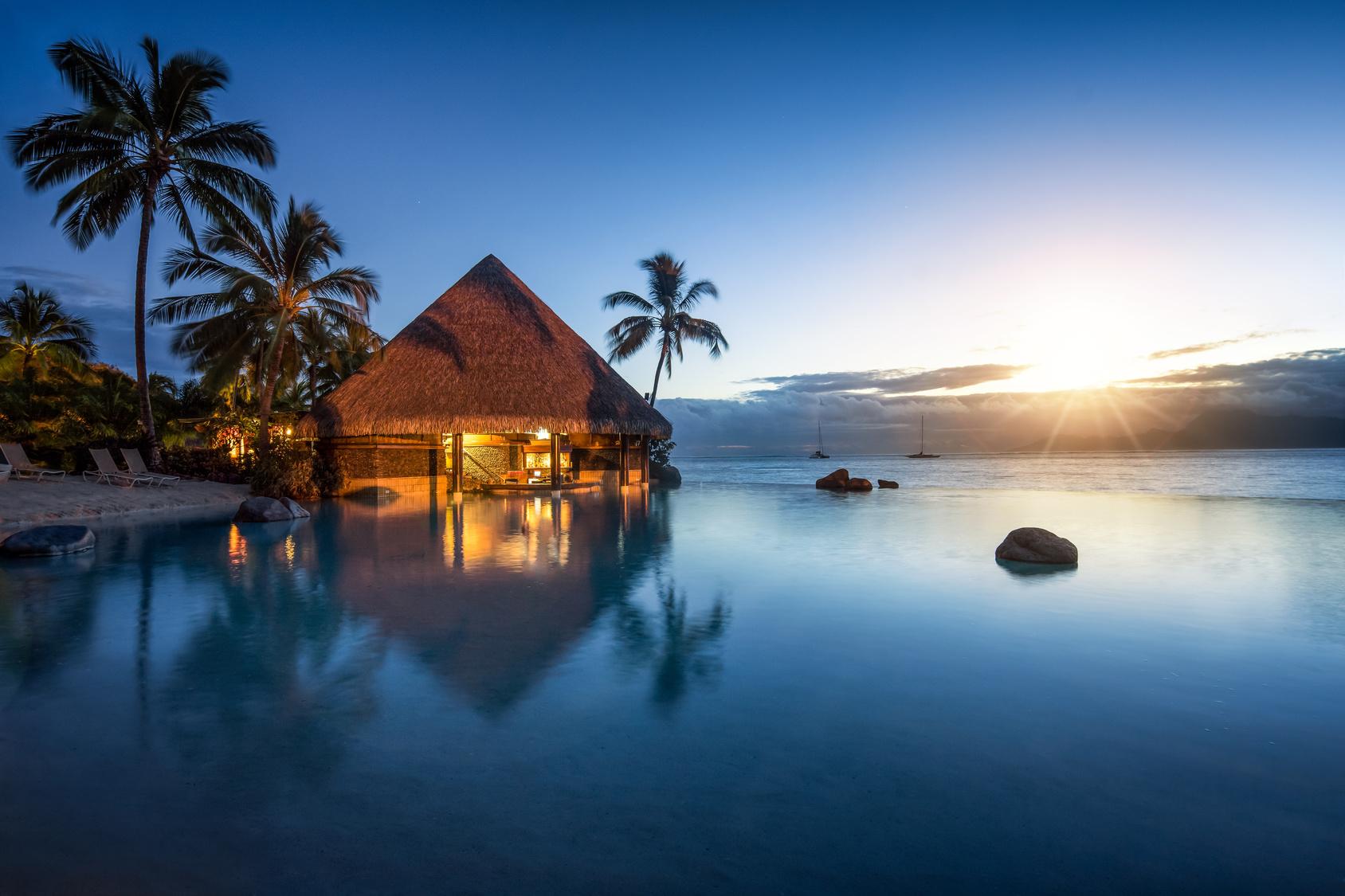 Romantischer Sonnenuntergang in der Sdsee